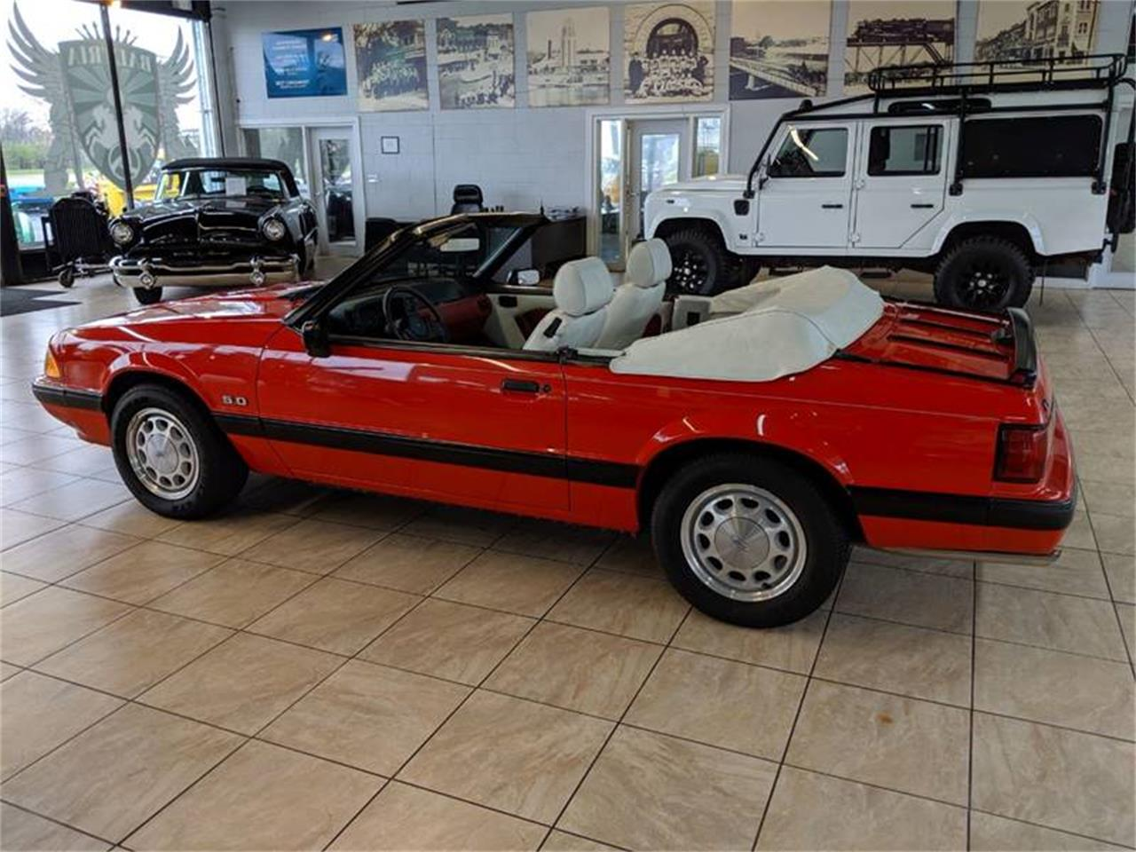 Large Picture of '89 Ford Mustang located in Illinois - Q2R9