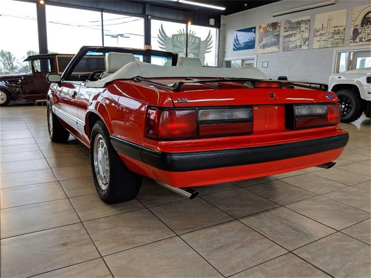 Large Picture of 1989 Ford Mustang - Q2R9