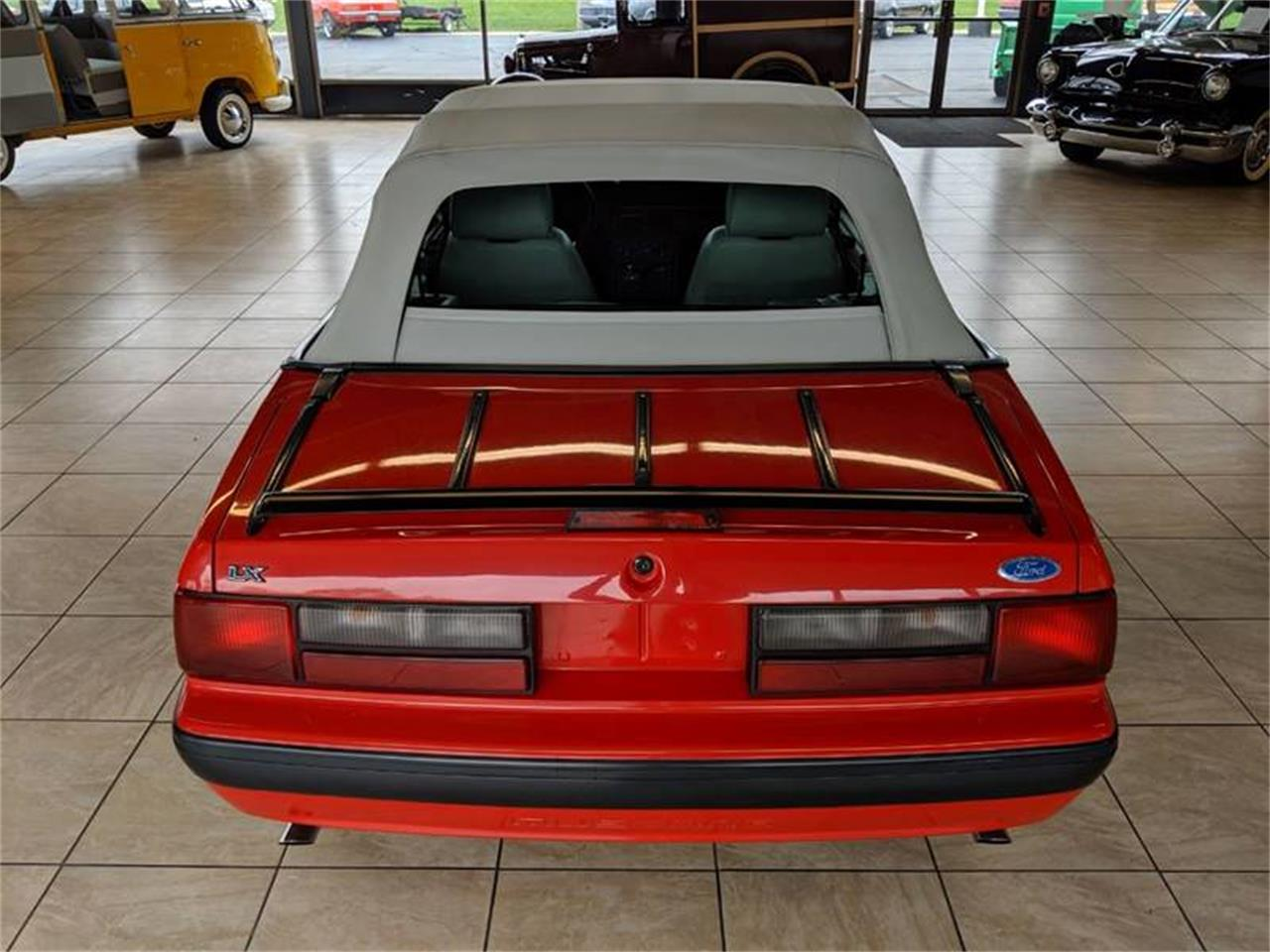 Large Picture of '89 Ford Mustang located in Illinois Offered by Classics & Custom Auto - Q2R9