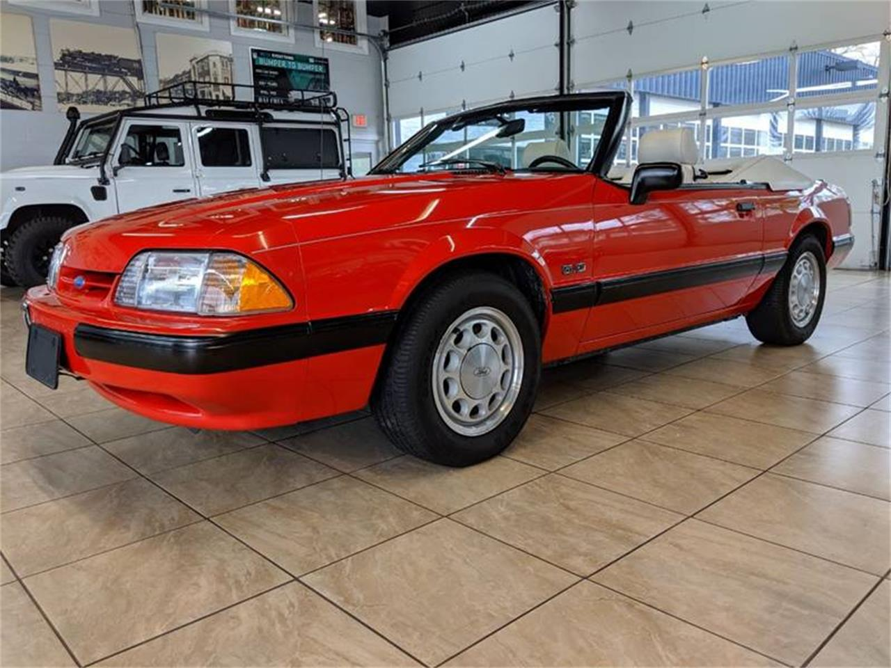 Large Picture of '89 Mustang located in St. Charles Illinois - Q2R9