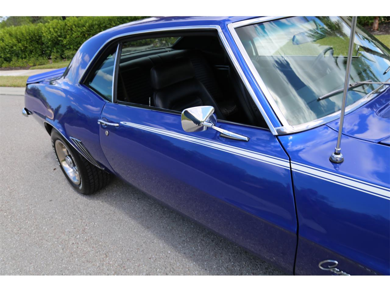 Large Picture of Classic '69 Camaro SS located in Fort Myers Florida - Q2T7