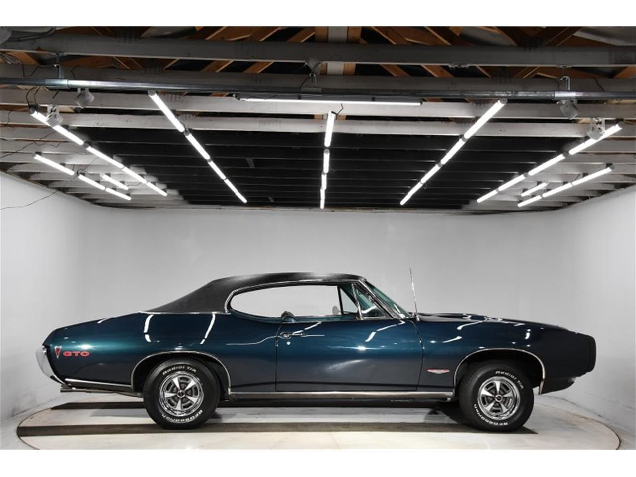 Large Picture of 1968 GTO Offered by Volo Auto Museum - Q2W4