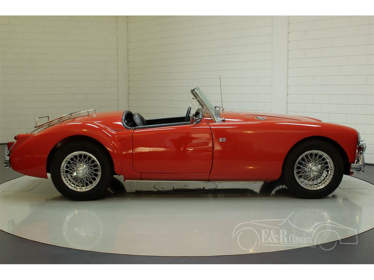 Large Picture of '62 MGA - Q2W8