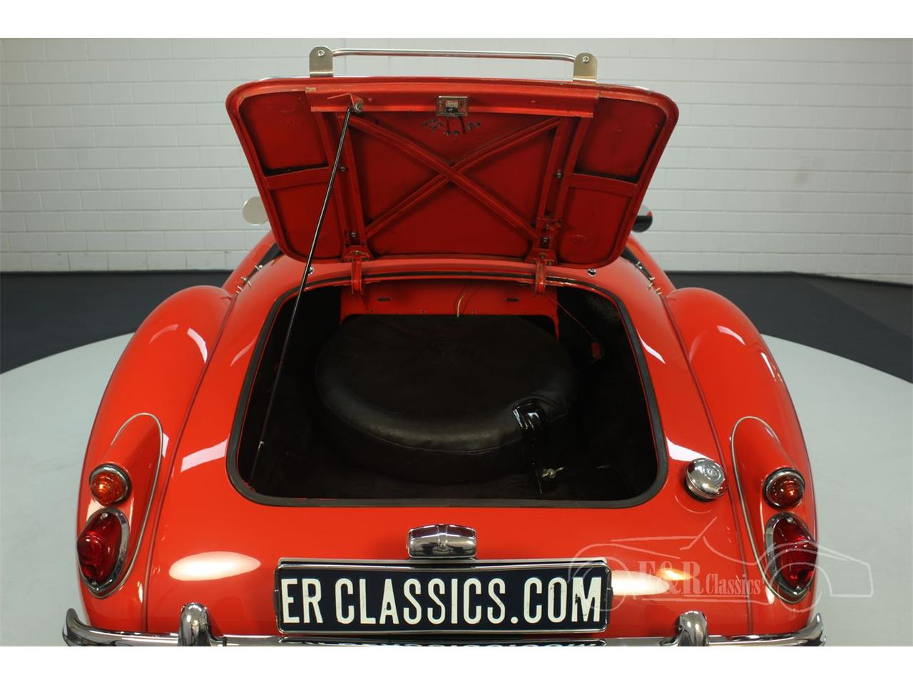 Large Picture of 1962 MG MGA - $44,900.00 Offered by E & R Classics - Q2W8