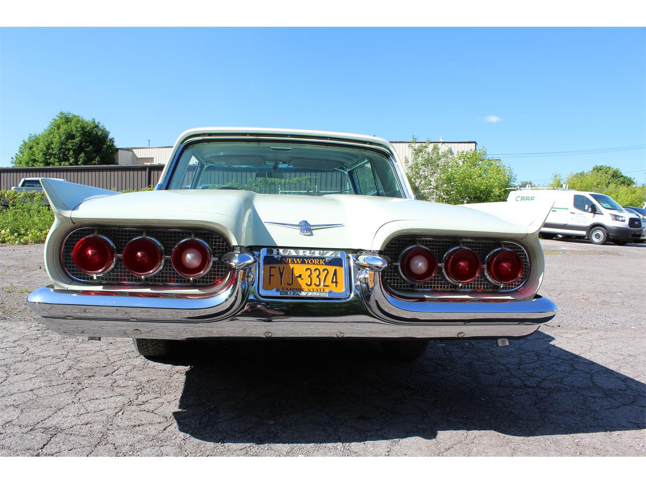 Large Picture of '60 Thunderbird - Q2Z8