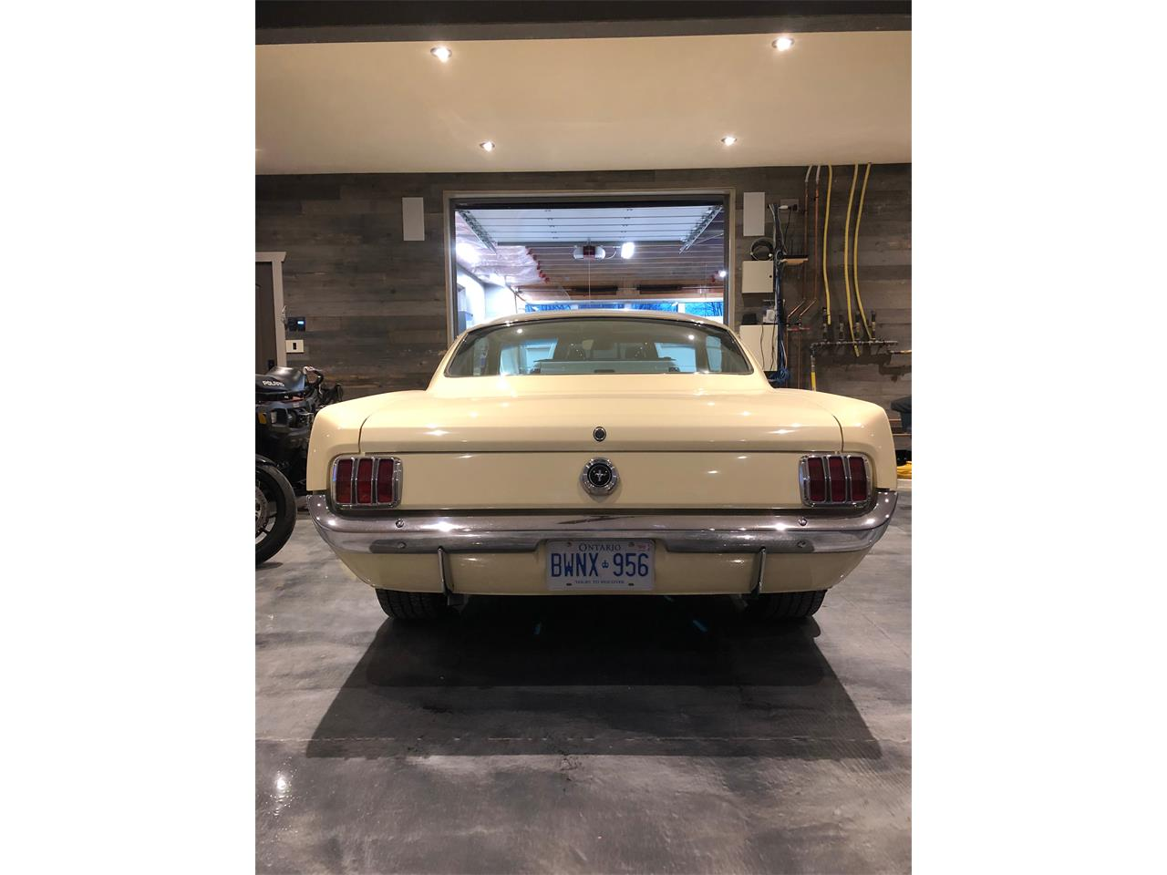 Large Picture of Classic '65 Ford Mustang - Q315