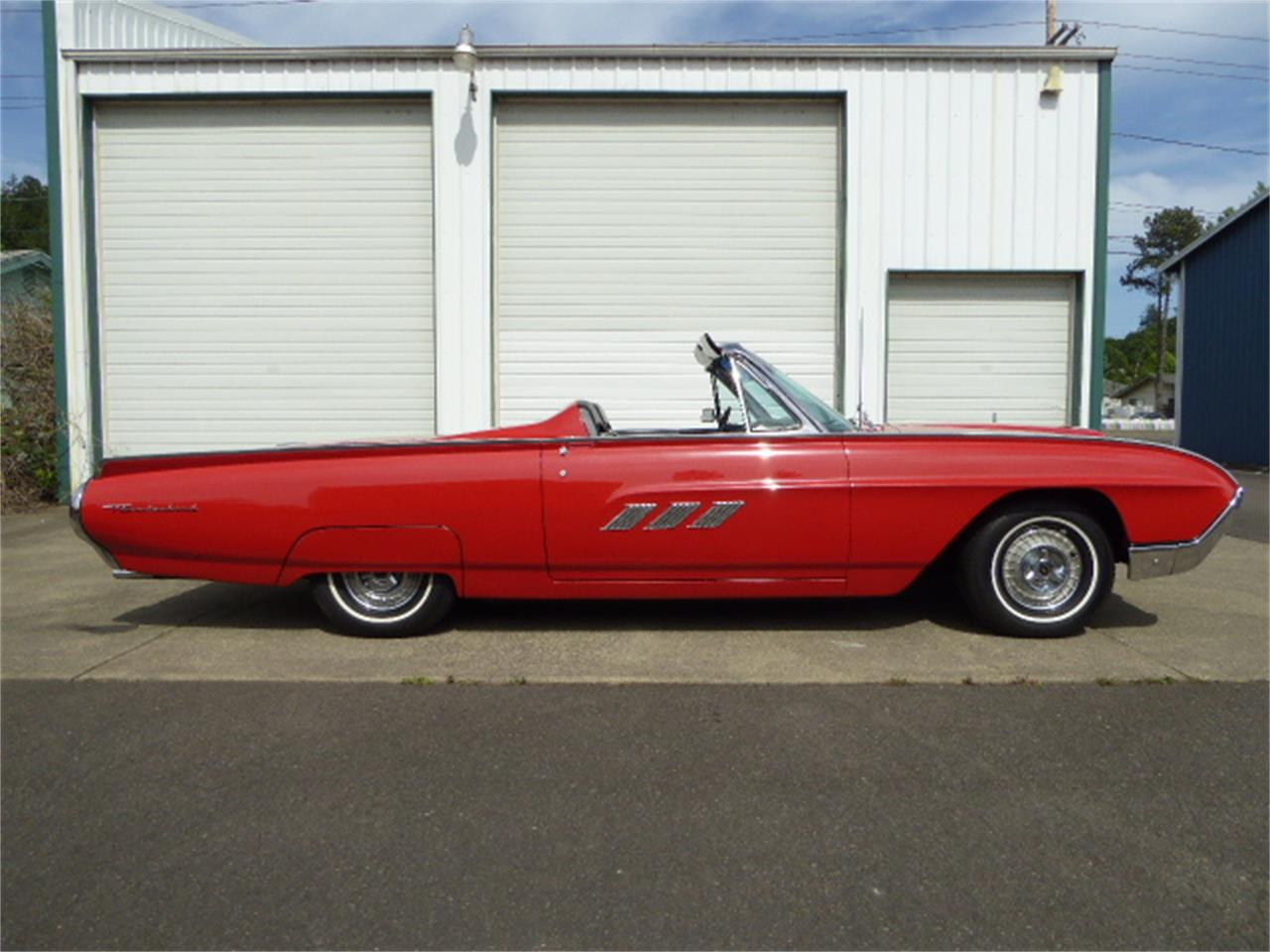 Large Picture of '63 Thunderbird - Q31F