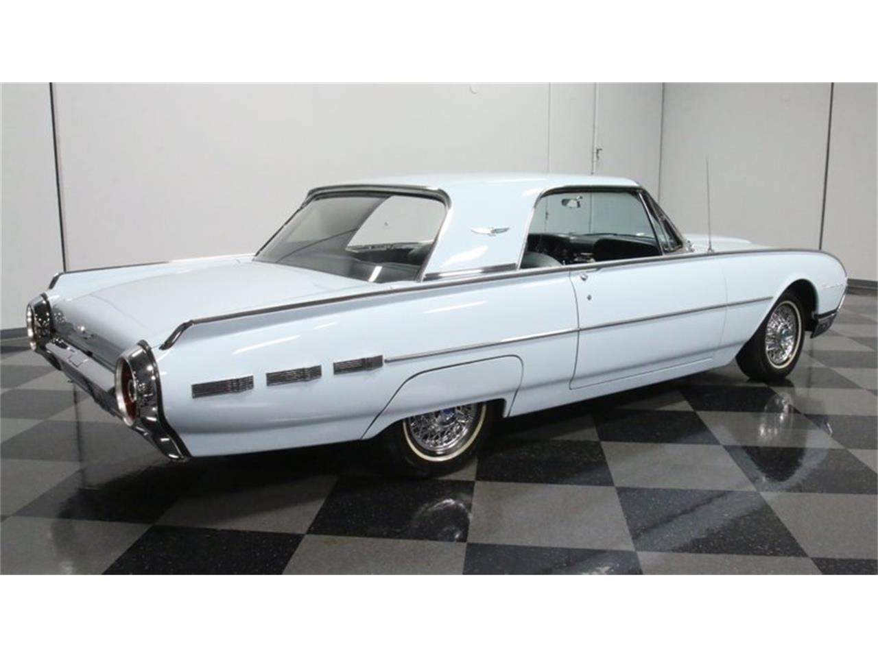 Large Picture of '62 Thunderbird - Q31N