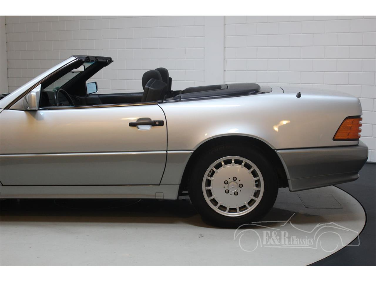 Large Picture of '91 Mercedes-Benz 500SL - $22,350.00 Offered by E & R Classics - Q33D