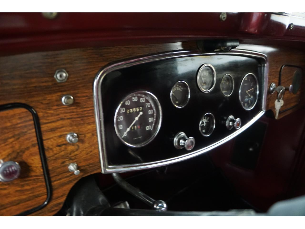 Large Picture of 1932 Standard Eight located in Pennsylvania - Q33P