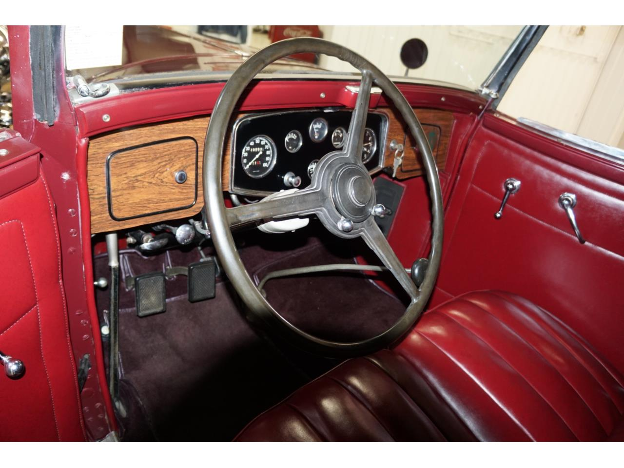 Large Picture of '32 Packard Standard Eight - Q33P