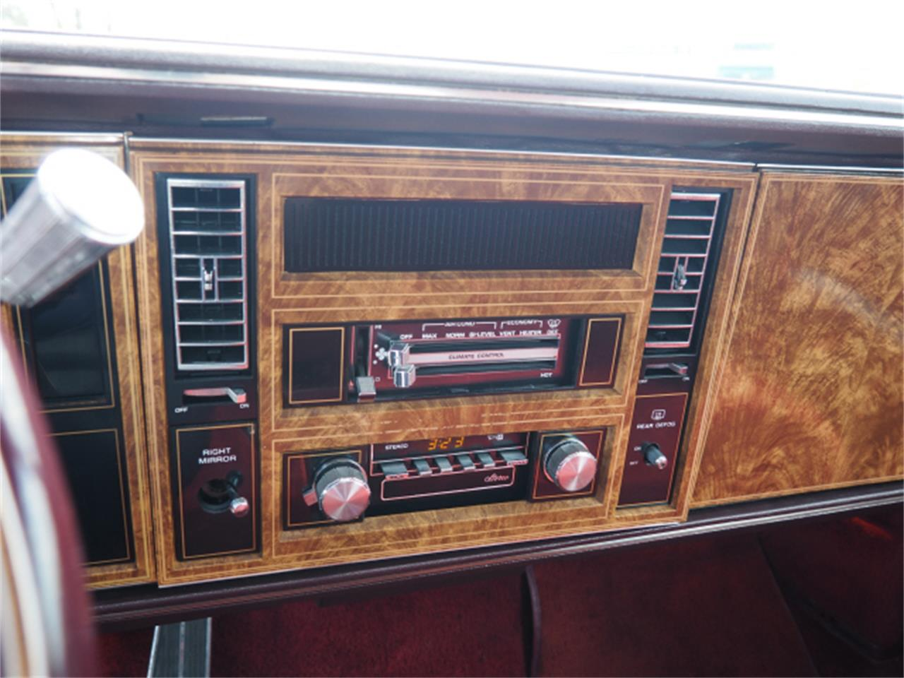 Large Picture of '82 Riviera - Q357