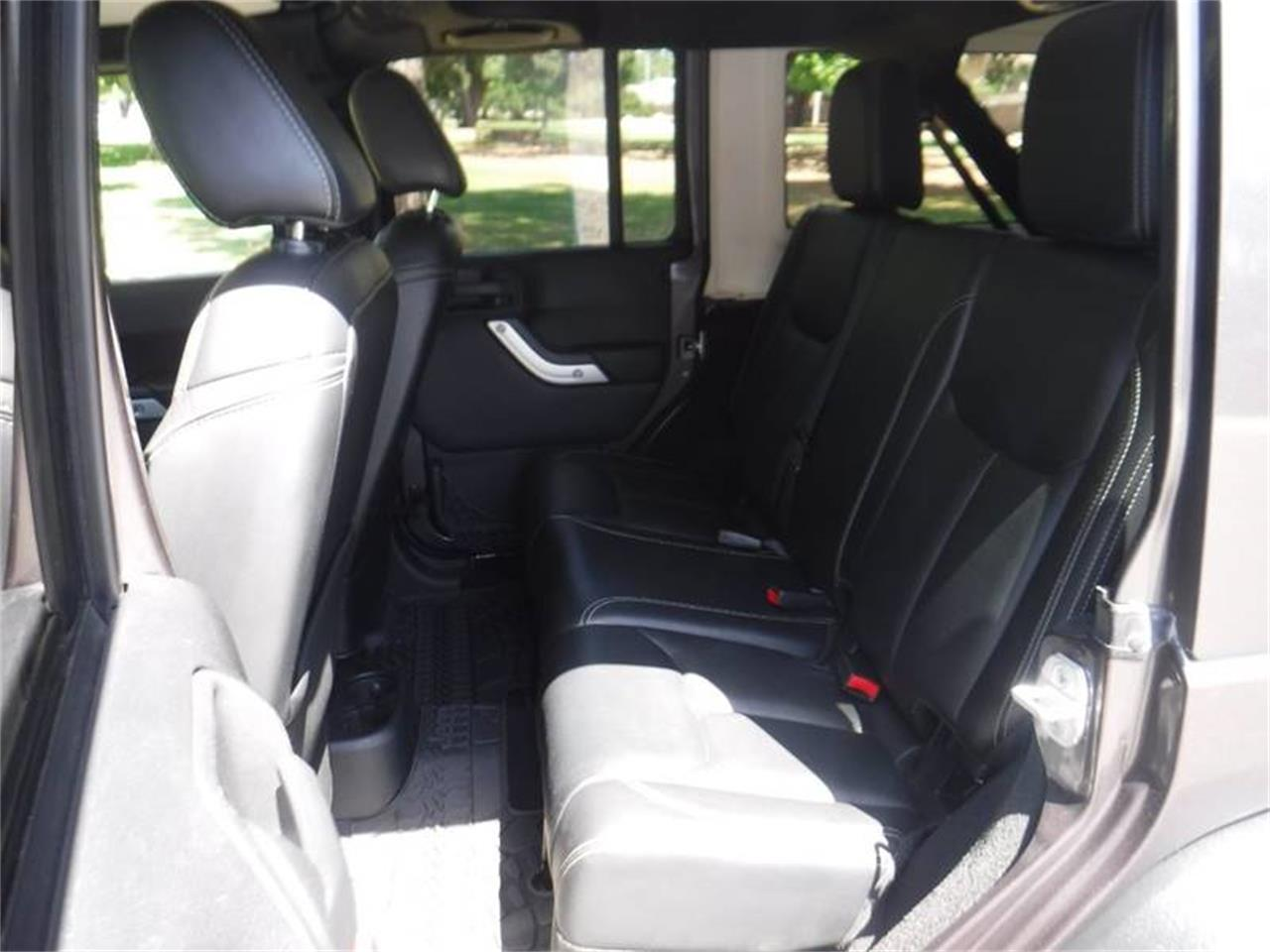 Large Picture of '14 Wrangler - Q358