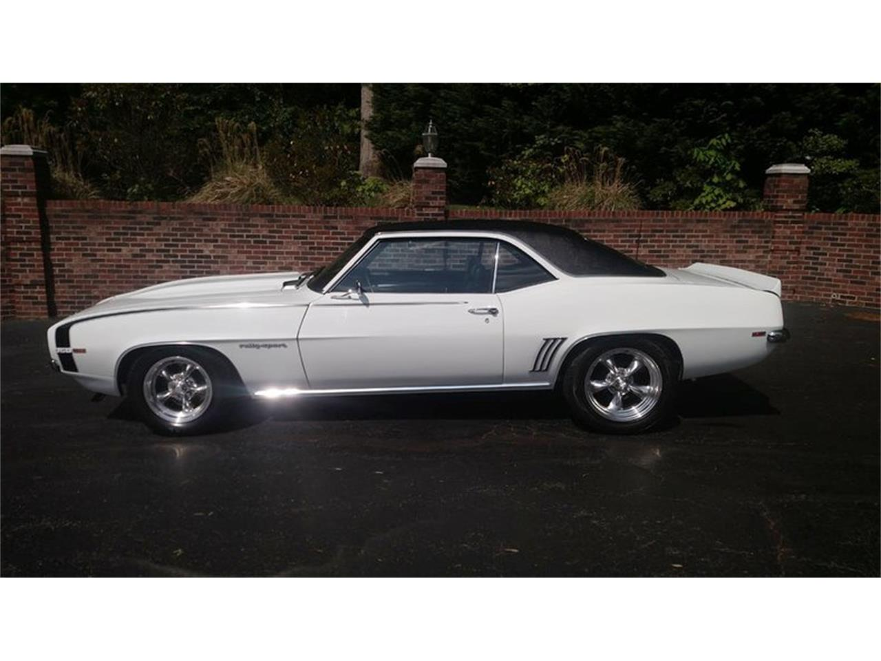 Large Picture of 1969 Chevrolet Camaro located in Huntingtown Maryland Offered by Old Town Automobile - Q35N