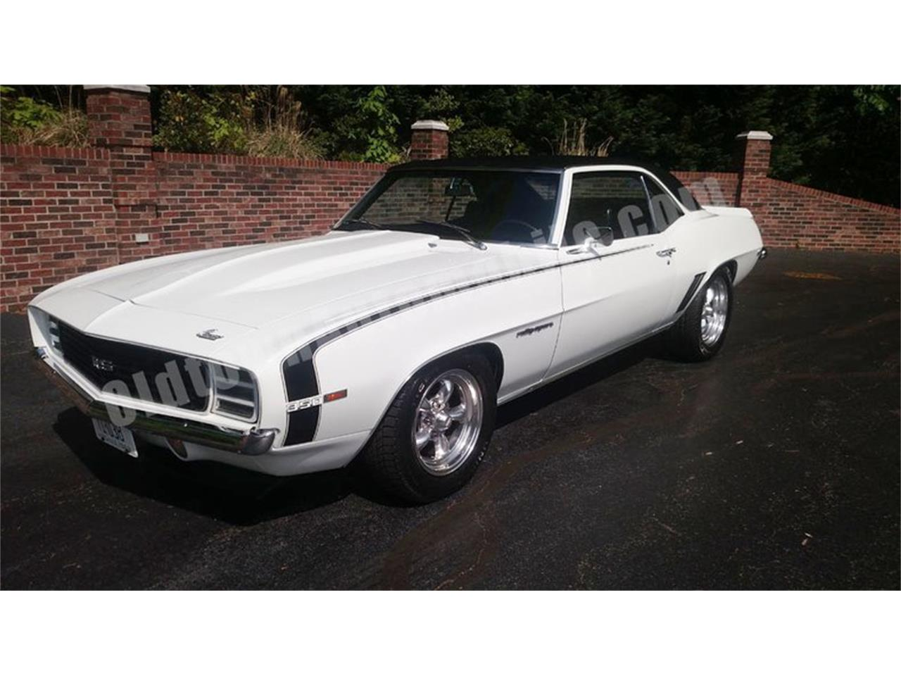 Large Picture of Classic '69 Chevrolet Camaro located in Huntingtown Maryland - Q35N