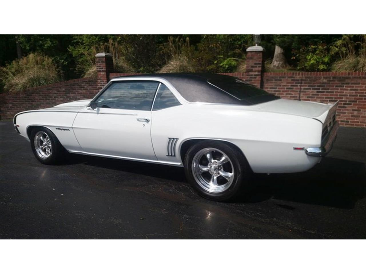 Large Picture of Classic '69 Chevrolet Camaro located in Maryland Offered by Old Town Automobile - Q35N