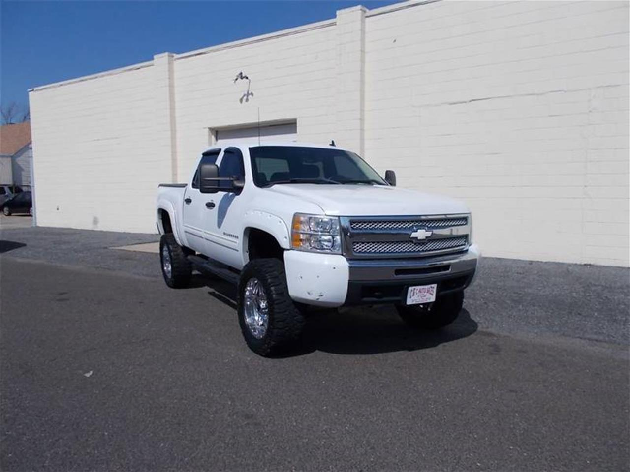Large Picture of '10 Chevrolet Silverado Offered by C & C Auto Sales - Q36B