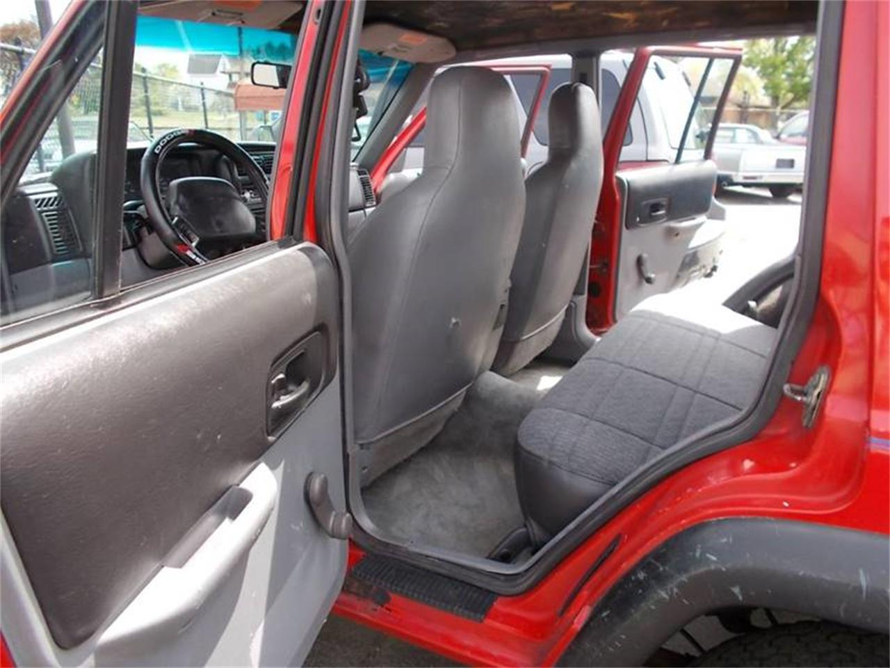 Large Picture of '97 Jeep Cherokee - $1,995.00 - Q36C