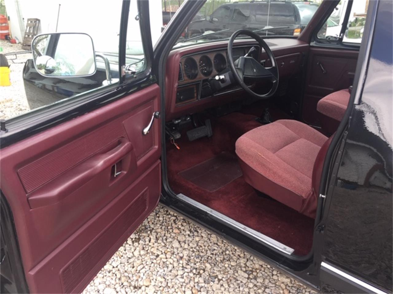 Large Picture of '89 Ramcharger - Q373
