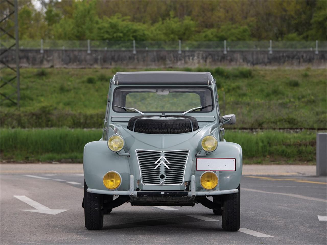 Large Picture of '63 2CV Offered by RM Sotheby's - Q37H