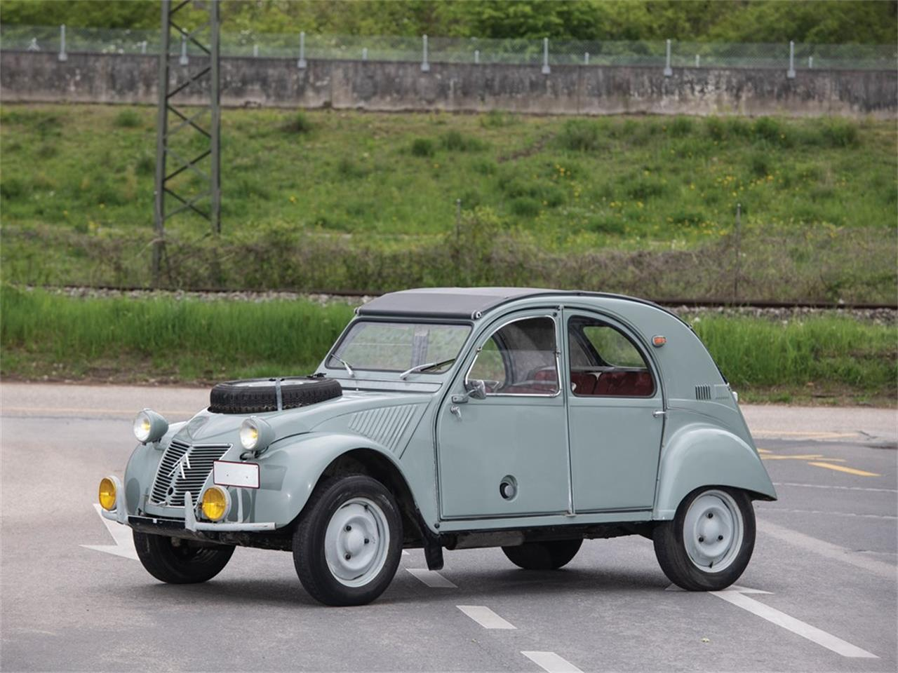 Large Picture of '63 2CV located in  Offered by RM Sotheby's - Q37H