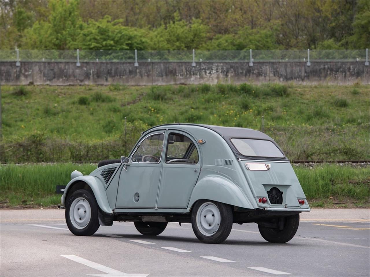 Large Picture of Classic '63 2CV located in  Auction Vehicle Offered by RM Sotheby's - Q37H