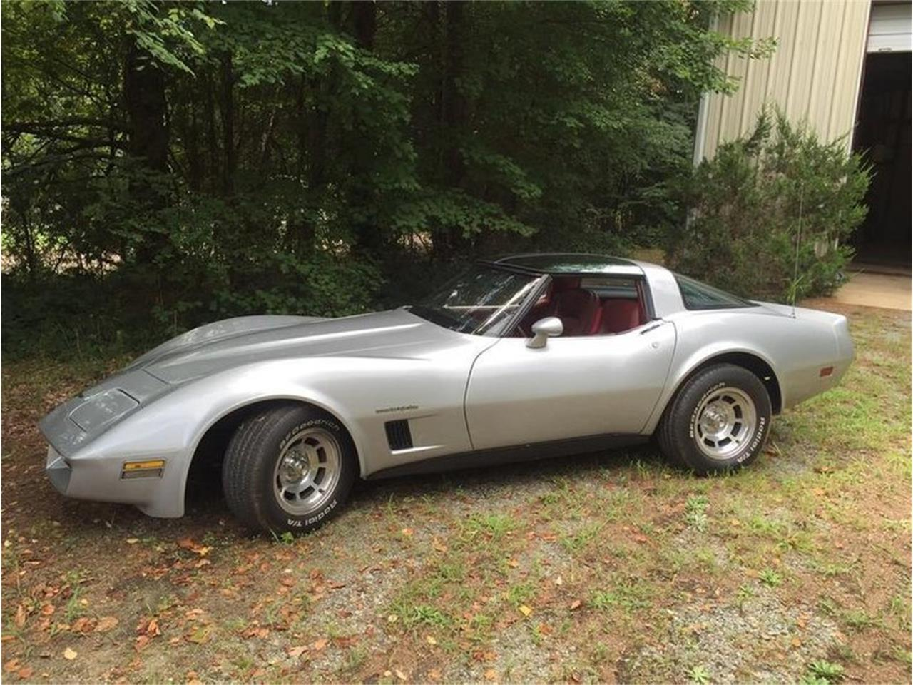 Large Picture of '82 Chevrolet Corvette located in North Carolina - Q38R