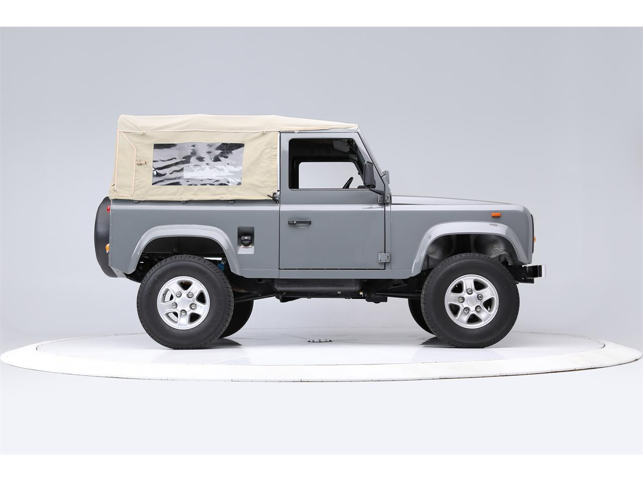 Large Picture of '91 Defender - Q398