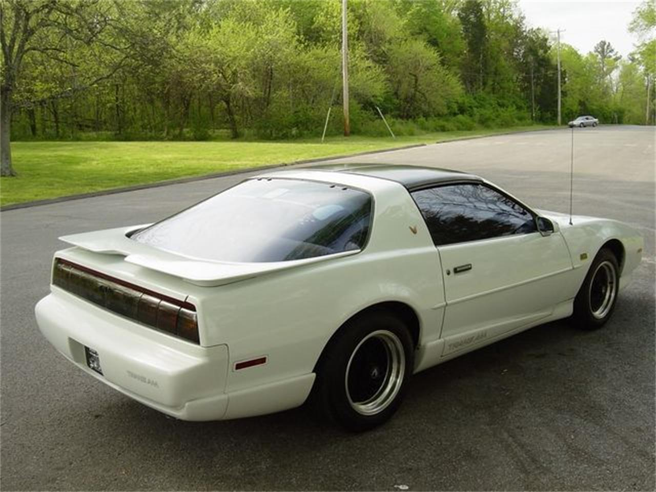 Large Picture of '92 Pontiac Firebird Trans Am located in Tennessee - Q3G9