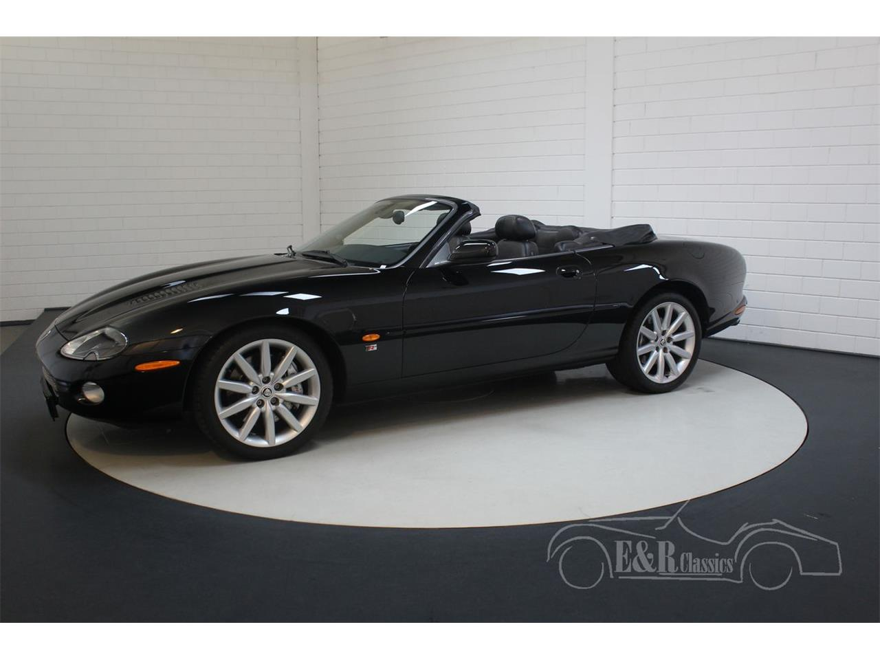 Large Picture of '03 Jaguar XKR - $39,200.00 Offered by E & R Classics - Q3GE