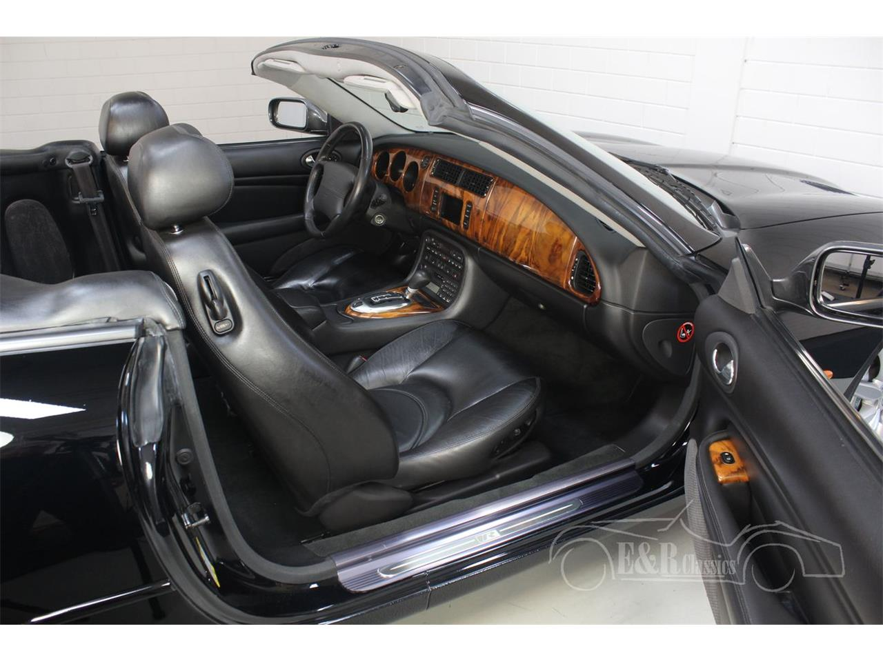 Large Picture of '03 Jaguar XKR located in Waalwijk noord brabant - $39,200.00 Offered by E & R Classics - Q3GE