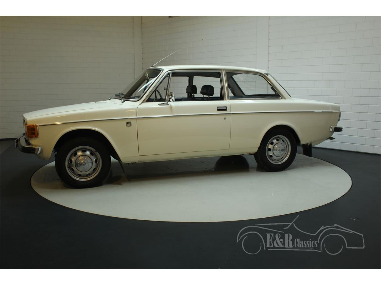 Large Picture of Classic '72 Volvo 142 - $13,400.00 Offered by E & R Classics - Q3GJ