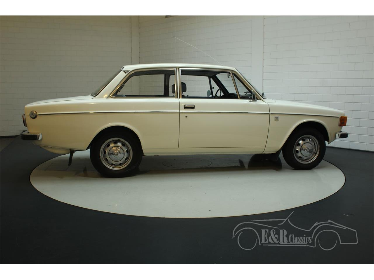Large Picture of Classic 1972 Volvo 142 located in noord brabant - Q3GJ