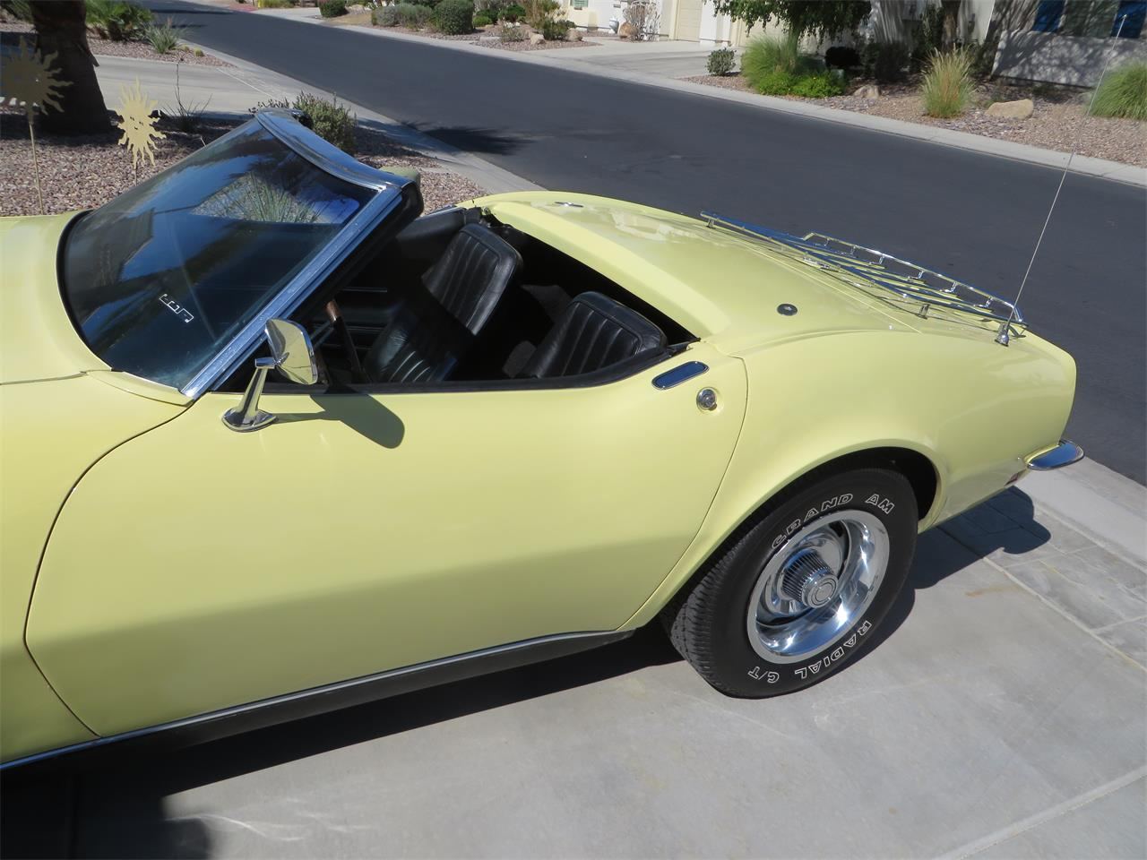 Large Picture of '68 Corvette - Q3H0
