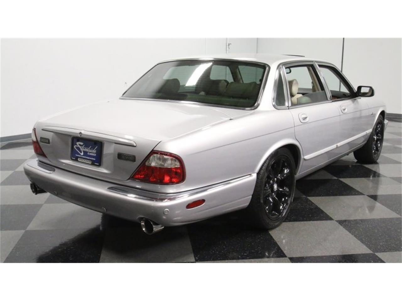 Large Picture of '02 Jaguar XJ located in Lithia Springs Georgia - $14,995.00 - Q3IY