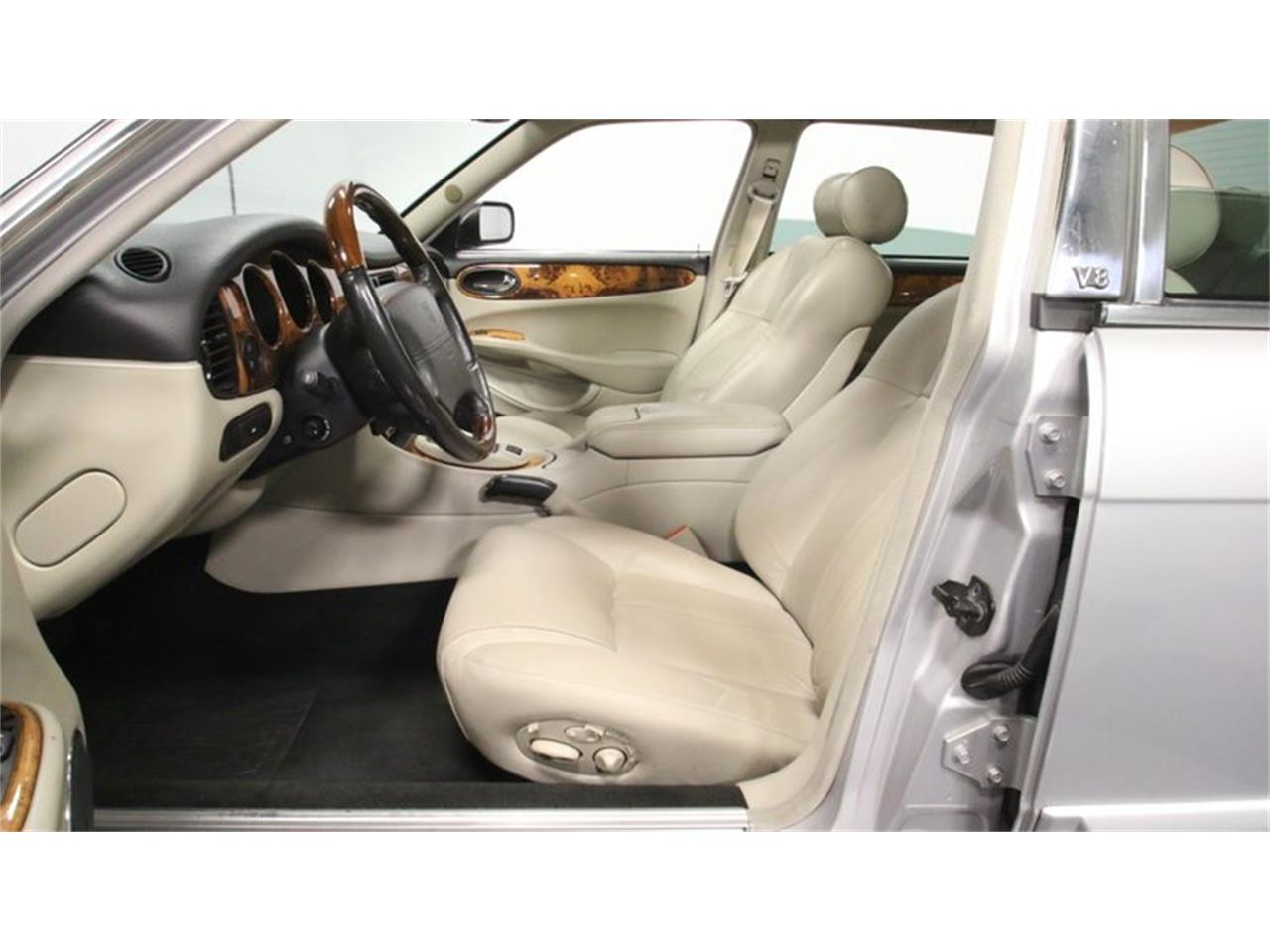 Large Picture of '02 Jaguar XJ - $14,995.00 Offered by Streetside Classics - Atlanta - Q3IY