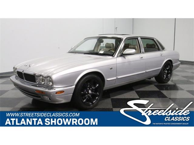 Picture of 2002 XJ located in Lithia Springs Georgia Offered by  - Q3IY
