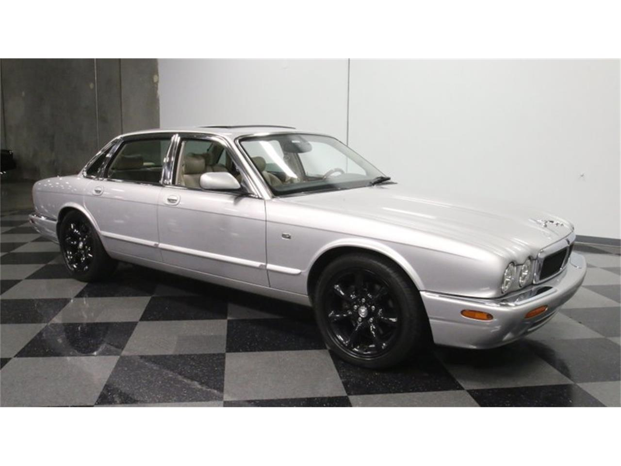 Large Picture of '02 Jaguar XJ located in Lithia Springs Georgia Offered by Streetside Classics - Atlanta - Q3IY