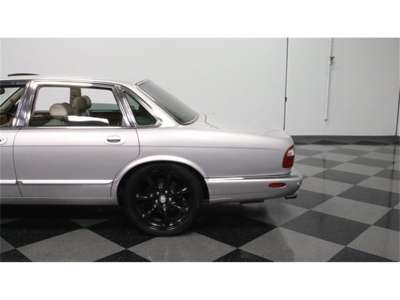 Large Picture of 2002 Jaguar XJ located in Lithia Springs Georgia - $14,995.00 Offered by Streetside Classics - Atlanta - Q3IY