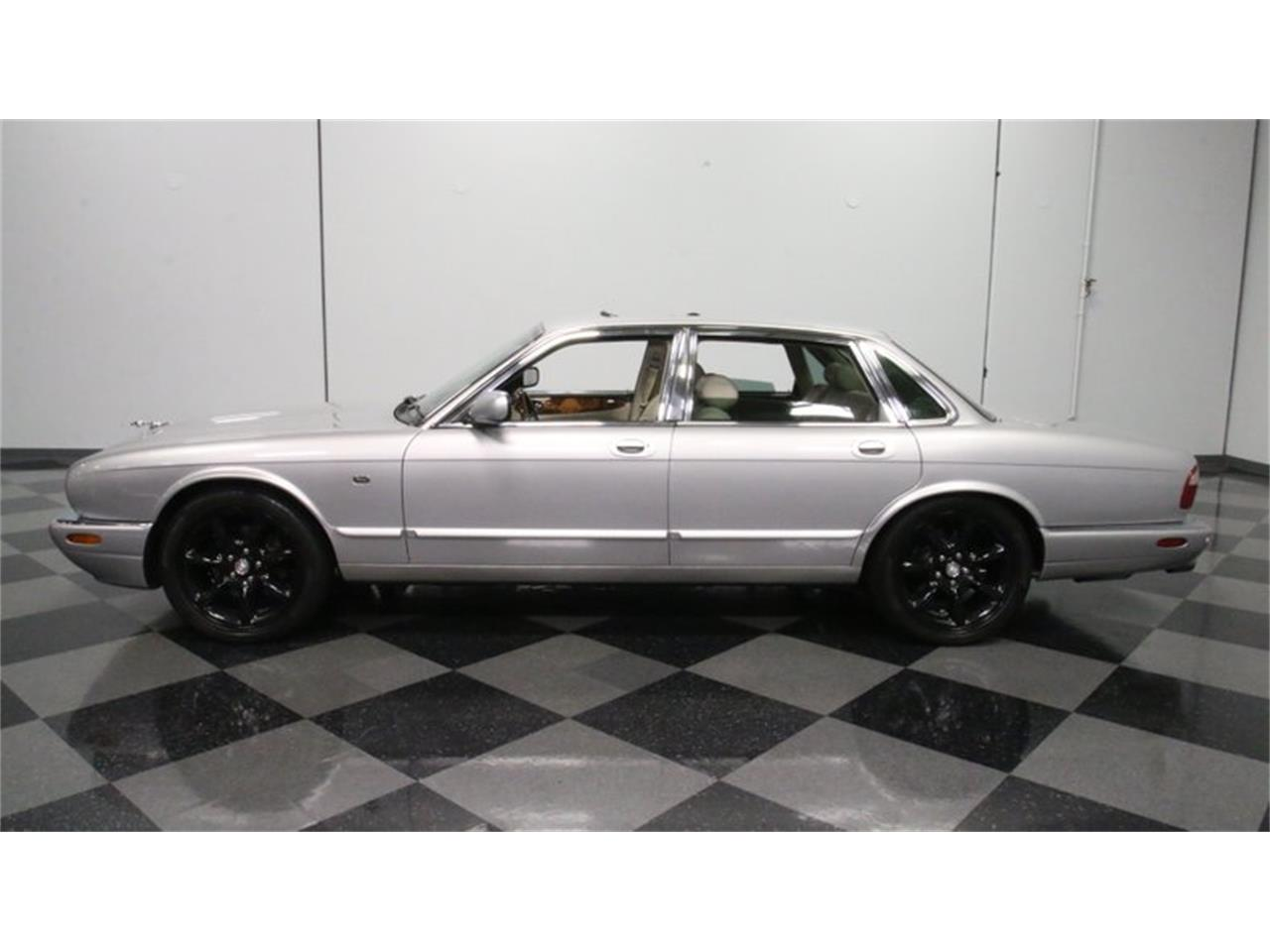 Large Picture of '02 XJ Offered by Streetside Classics - Atlanta - Q3IY