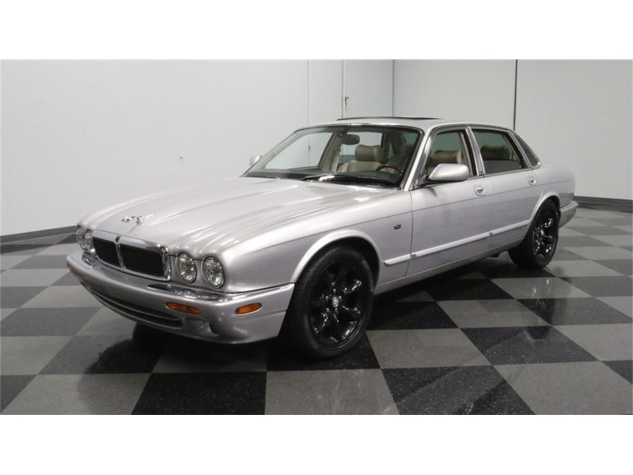 Large Picture of 2002 XJ - $14,995.00 Offered by Streetside Classics - Atlanta - Q3IY