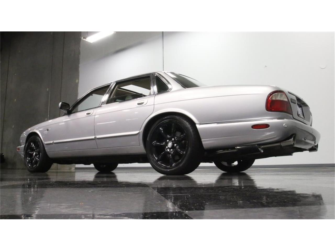 Large Picture of '02 Jaguar XJ located in Georgia - $14,995.00 Offered by Streetside Classics - Atlanta - Q3IY