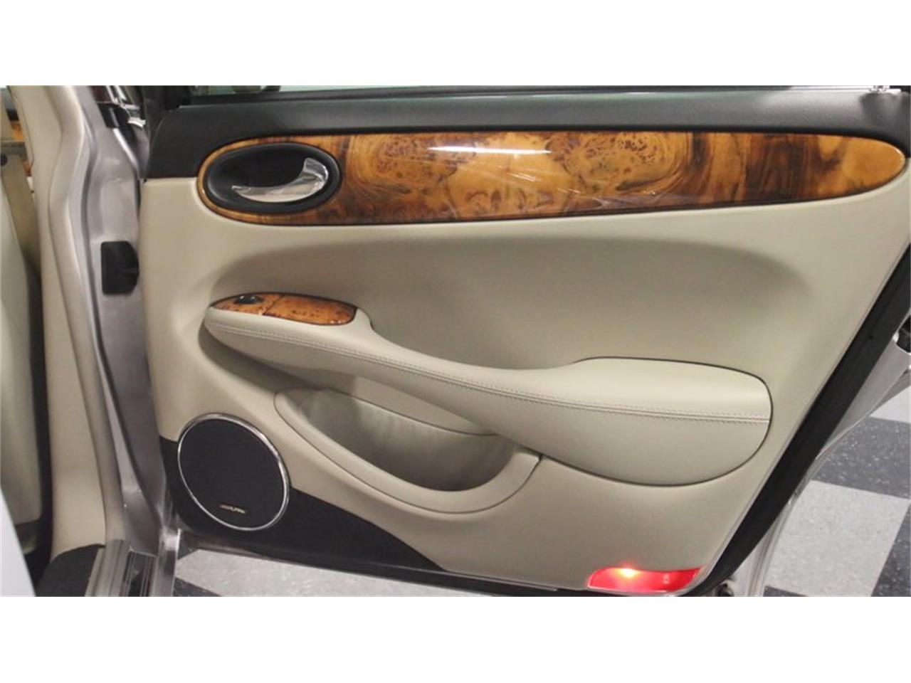 Large Picture of '02 Jaguar XJ - $14,995.00 - Q3IY