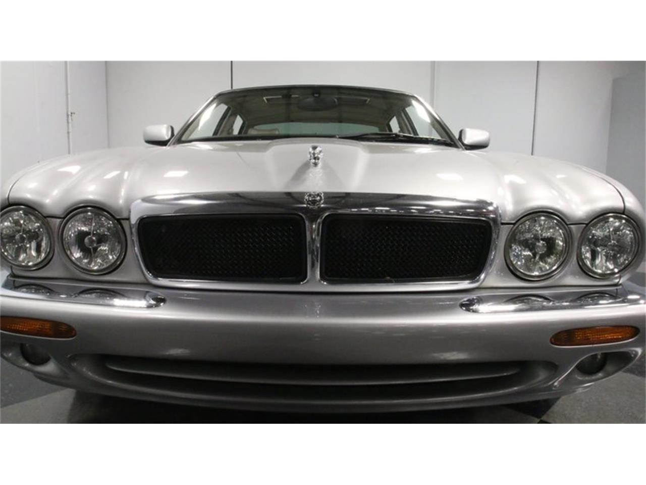 Large Picture of 2002 Jaguar XJ located in Lithia Springs Georgia - Q3IY