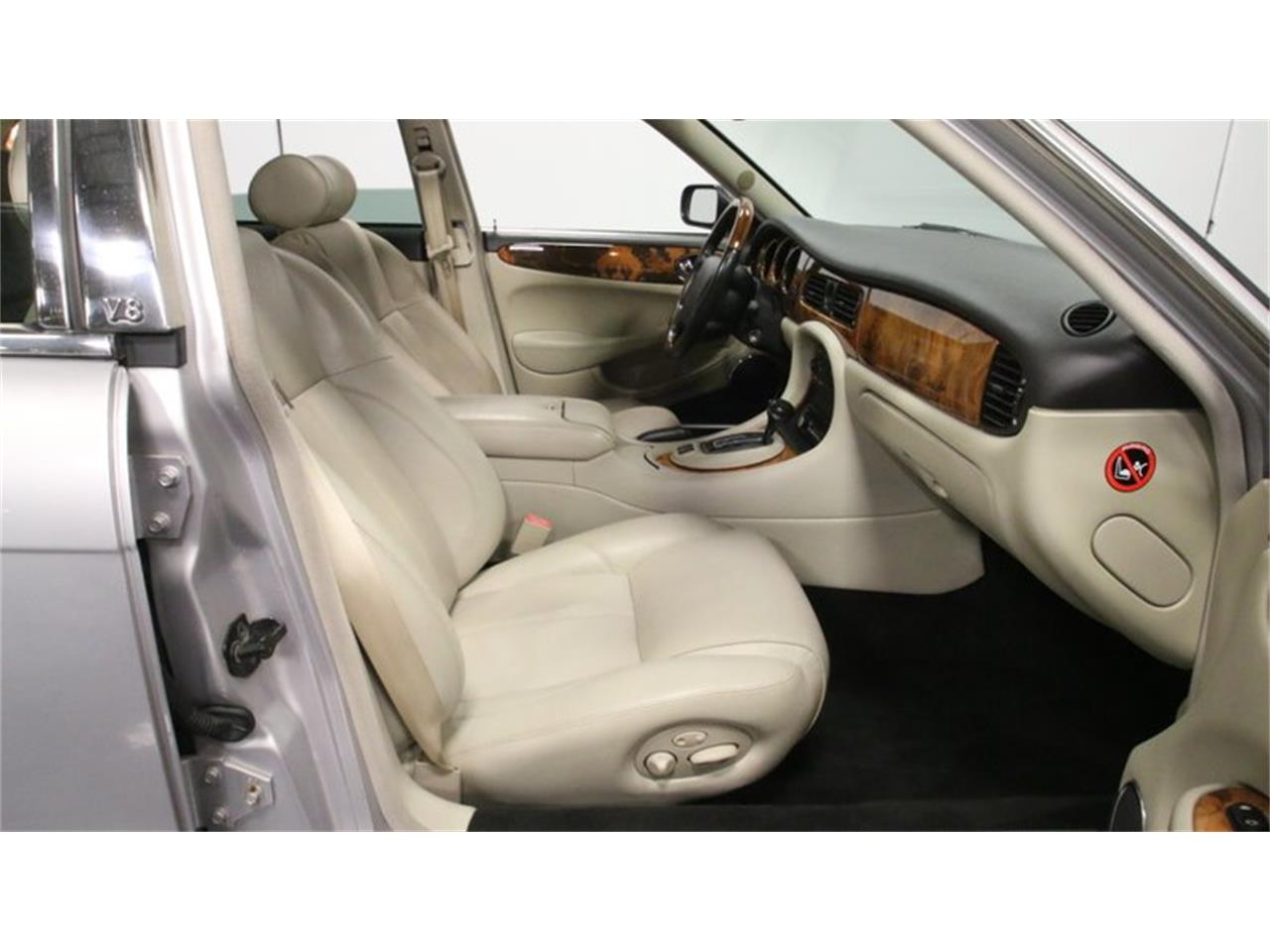 Large Picture of 2002 Jaguar XJ - $14,995.00 Offered by Streetside Classics - Atlanta - Q3IY
