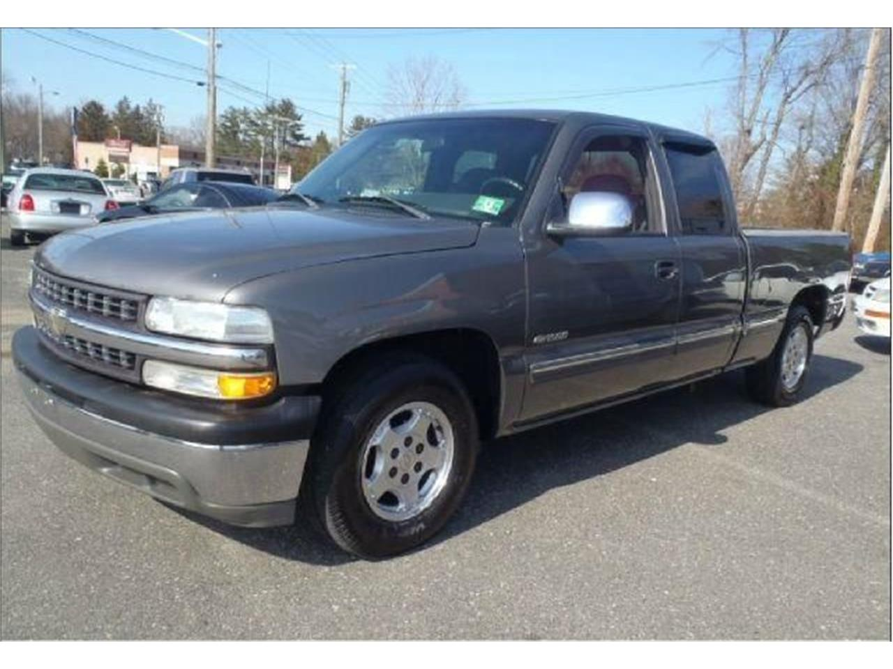 Large Picture of 2002 Chevrolet Silverado located in Stratford New Jersey - Q3JT