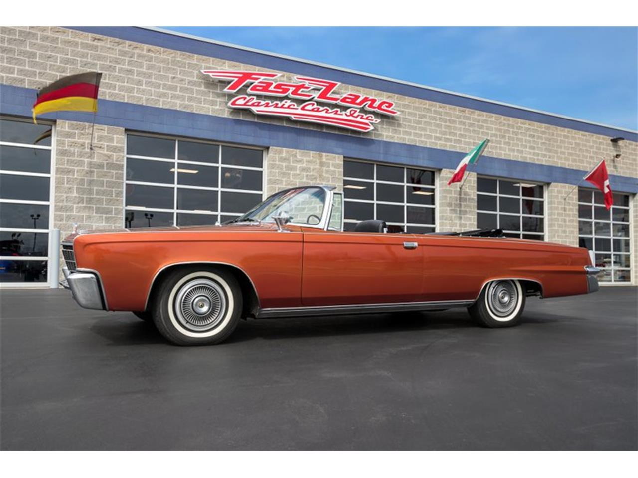 Large Picture of '66 Imperial Crown - Q3L6