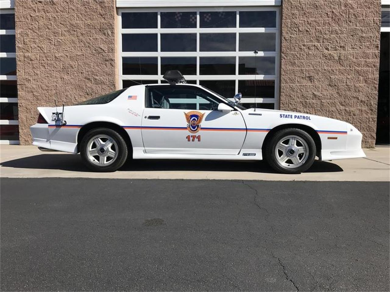 Large Picture of '91 Camaro Z28 located in Henderson Nevada - Q3N9
