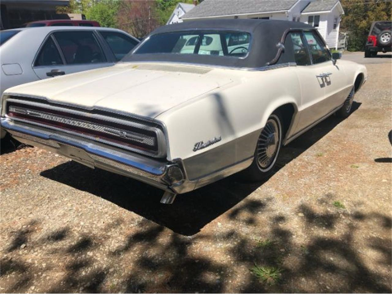 Large Picture of Classic 1967 Ford Thunderbird - $9,495.00 Offered by Classic Car Deals - Q3O6