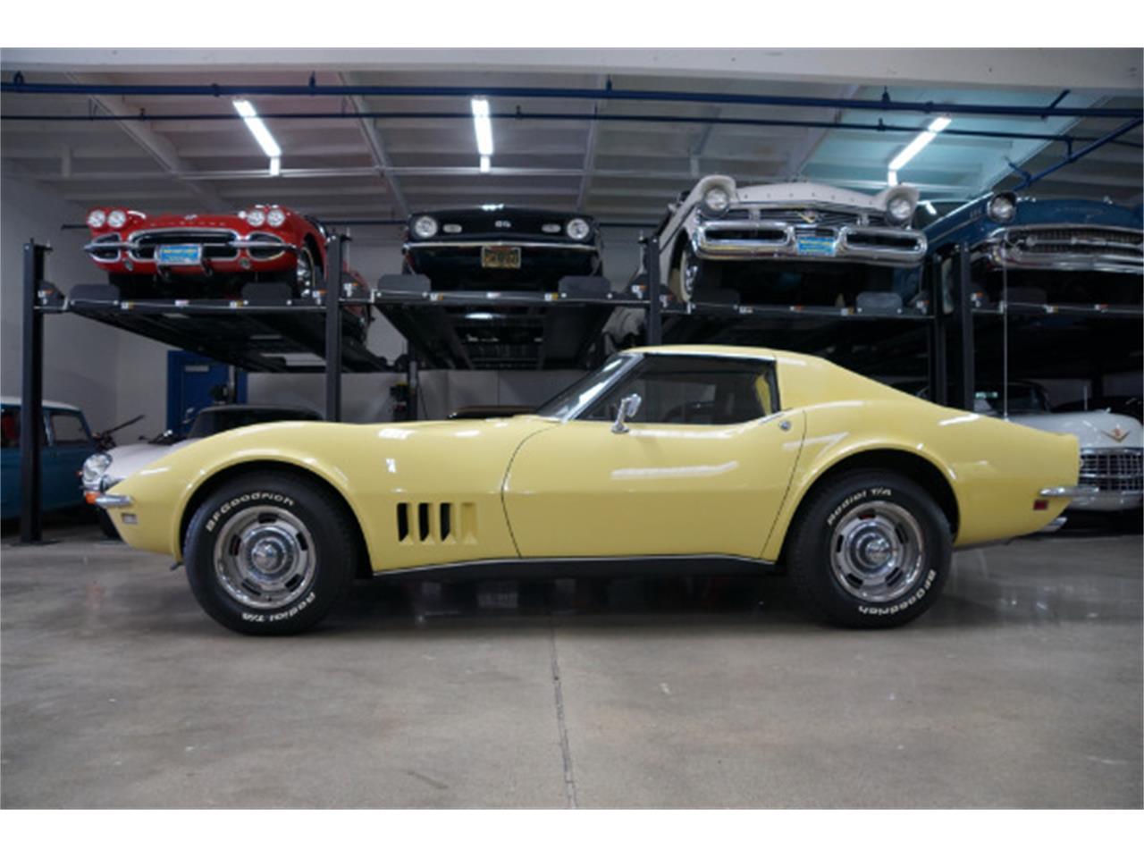 Large Picture of '68 Corvette located in Torrance California - Q3PH